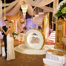 Golden Gala Complete Prom Theme