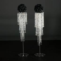 Dripping Diamonds Stand With Black Kissing Ball Kit